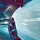 Toetungsvorsatz bei illegalem Autorennen - Schnelles Auto rast über eine Straße